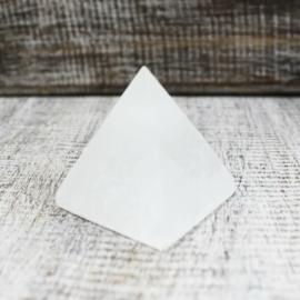 kis méretű szelenit piramis, kb. 5 cm magas