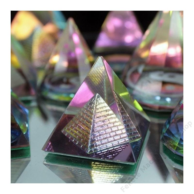 misztikus kristály piramis dekortárgy