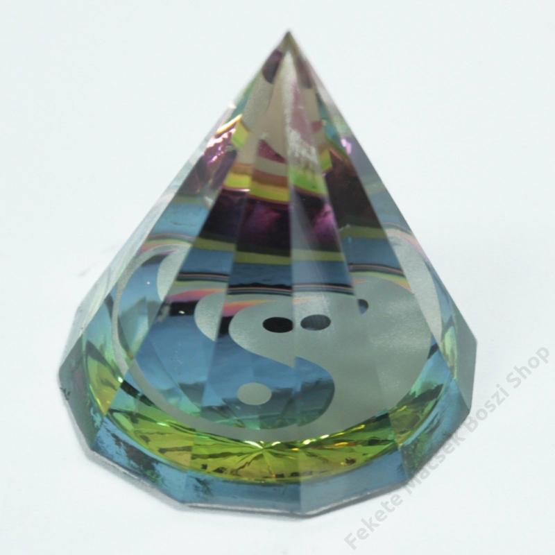 Jin és Jang mintájú 12 oldalú piramis. Misztikus dekorációnak is kiváló.