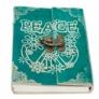 Kép 2/10 - bohém színvilág és a hippi mozgalom jellegzetes mintái dekorálják a fedlapot