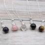 Kép 2/11 - Több különböző kristályos medállal is elérhető kínálatunkban