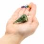 Kép 8/13 - Zöld Aventurin kristályos inga csakra szimbólumos függőn